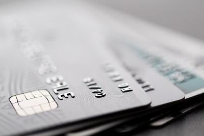 the relationship between credit cards and credit reports
