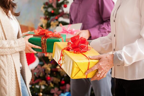 how to save money on holiday shopping | tips to stay on budget when giving gifts | first alliance credit union mn