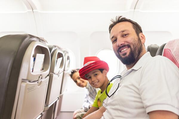 How to Save Money on Flights When Traveling| Financial Tips to Consider When Traveling